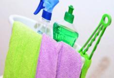 Aprenda a fazer produtos de limpeza caseiros