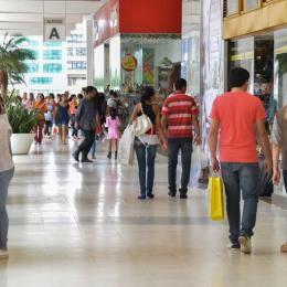 Brasil tem 4,5 milhões de empresas, número em queda desde 2014