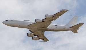 """Avião construído para resistir ao """"fim do mundo"""" é derrubado por um pássaro"""