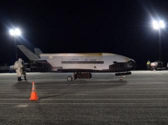 Avião ultra-secreto dos EUA voltou á terra após 780 dias em órbita