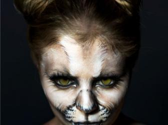 Artistas se transformam em animais silvestres em mostra fotográfica