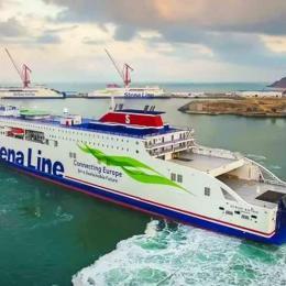 O novo ferry da Stena Line já navega rumo ao mar da Irlanda
