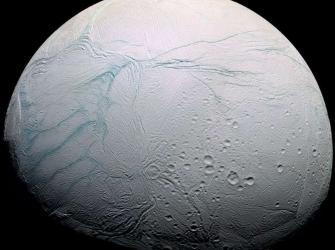 Cientistas decifram o enigma das listras de lua de Saturno