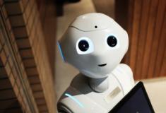 Conheça o Robô capaz de cozinhar e servir lanches