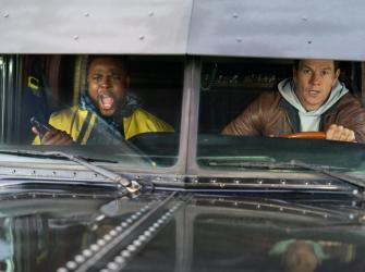 """Confira o trailer de """"Troco em Dobro"""" com Mark Wahlberg"""