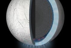 Pesquisadores analisam o (complexo) interior de lua de Saturno