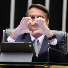 Artistas divulgam carta aberta contra governo Bolsonaro em jornal inglês