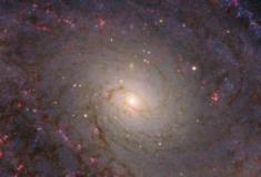Hubble investiga uma galáxia espiral especialíssima