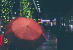 Cientistas inventam dispositivo que gera eletricidade a partir da chuva
