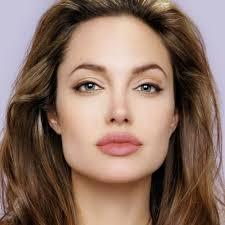 Angelina Jolie faz a primeira aparição pública em 2020