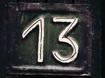 Por que o número 13 assusta tanta gente?