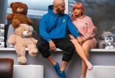 Atleta marca data de casamento com sua boneca sexual hiper-realista