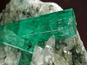 Pedras preciosas: berilo, a gema semipreciosa