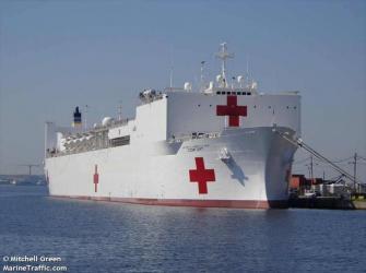 """O navio hospital """"USNN Comfort"""""""