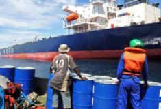 Tripulações estão retidas nos navios devido ao bloqueio do COVID-19