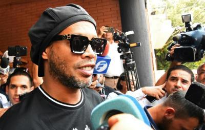 Ronaldinho posta nas redes sociais pela primeira vez após prisão