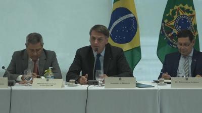 Em reunião ministerial, Bolsonaro diz: 'Eu não vou esperar foder a minha família toda'; assista