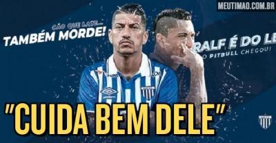 Torcida do Corinthians invade anúncio de Ralf no seu novo clube para desejar sorte ao volante