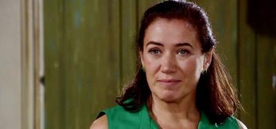 Fina Estampa: Griselda invade festa e faz Tereza Cristina ter pesadelo acordada