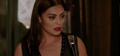 Totalmente Demais: Carolina flagra Arthur na cama com Eliza e fica indignada