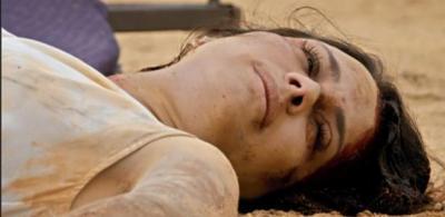 Apocalipse: Zoe se desespera ao ver que está sangrando