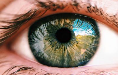 Luz vermelha profunda 'recarrega baterias' das retinas e melhora visão