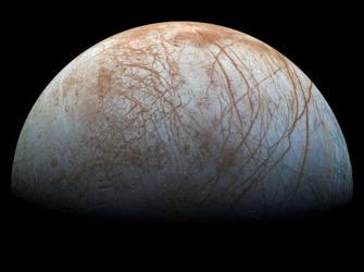 Núcleo sobrevivente de planeta semelhante a Júpiter é visto próximo a estrela distante
