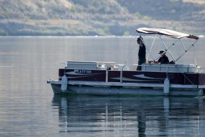 Polícia usa câmera e sonar na busca por Naya Rivera; veja imagens no fundo do lago