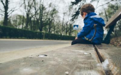 Estudo britânico aponta impacto negativo da quarentena na saúde mental de crianças e jovens