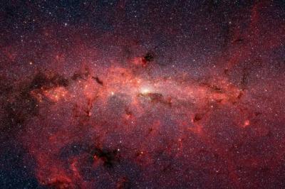 Astrônomos descobrem estrutura com extensão de 1,4 bilhão de anos-luz