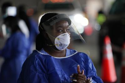 Profissionais de saúde de grupos minoritários têm mais chance de contrair a Covid-19, diz estudo