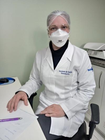 Vídeo | Na linha de frente: neste dia nacional da saúde conheça mais sobre o trabalho da enfermeira Janaina | Rádio Studio 87.7 FM