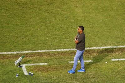 Para apagar má impressão após vice da Copa do Nordeste, Roger aposta em título do Baiano