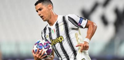 C. Ronaldo marca duas vezes, mas não evita queda da Juventus na Champions