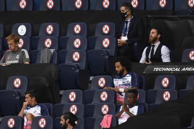 """Zidane se esquiva ao ser questionado sobre Vinicius no banco: """"Escolhi outros. Nada mais"""""""