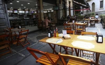 Após quatro meses de queda, setor de serviços cresce 5% em junho, diz IBGE