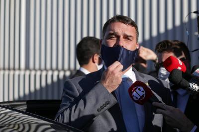 TJ decide que Ministério Público perdeu prazo para recorrer contra foro a Flávio Bolsonaro