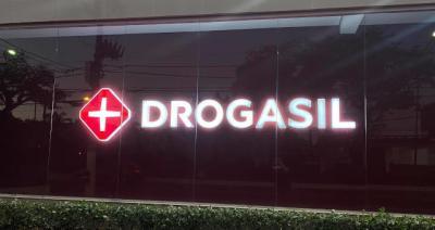Raia Drogasil desdobra uma ação em...