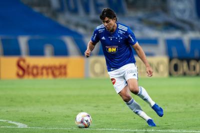 """Ney Franco garante caso resolvido sobre reclamação de Moreno no Cruzeiro, mas avisa: """"Se for o caso de ficar no banco, ele vai ficar"""""""