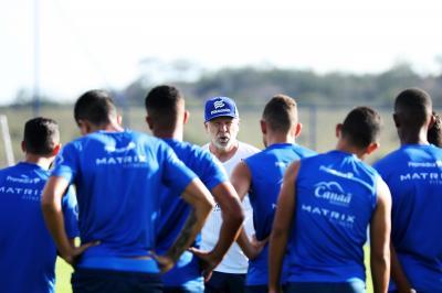 "Partida contra o Corinthians servirá como ""teste"" para Mano antes de intervalo na Série A"
