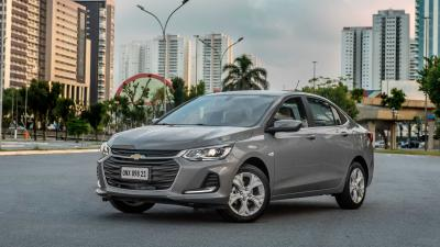 Chevrolet Onix Plus Premier 2021 traz espelhamento de smartphones sem fio