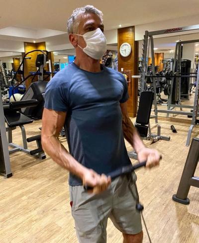 Fabio Assunção ganha elogio de personal trainer: 'As pessoas escolhem seus hábitos'