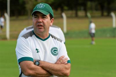 Goiás anuncia retorno de Enderson Moreira minutos após demitir Thiago Larghi