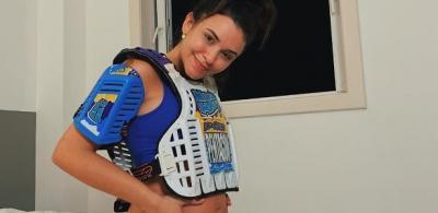 Talita Younam brinca com equipamento de motocross: 'Grávida motoqueira'