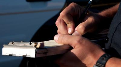 Projeto de lei prevê pagamento de multas de trânsito na abordagem