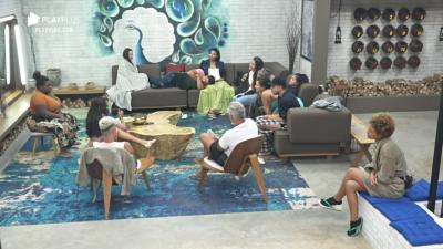 A Fazenda 2020: Jojo convoca reunião de síndico versão 'paz e amor' no reality