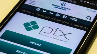 Instituições dão cashback, pontos e até mesmo dinheiro para quem cadastrar e usar chaves Pix