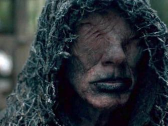 Vikings: O verdadeiro motivo de os personagens lamberem a mão do Vidente
