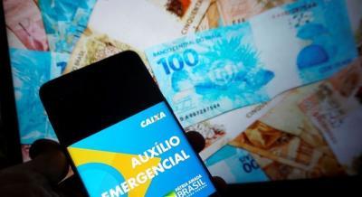 SAIU! Caixa paga 8ª parcela do auxílio de R$ 300 para ESTE grupo hoje