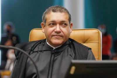 """Indicado por Bolsonaro, Marques trava debate no STF sobre """"rachadinha"""""""